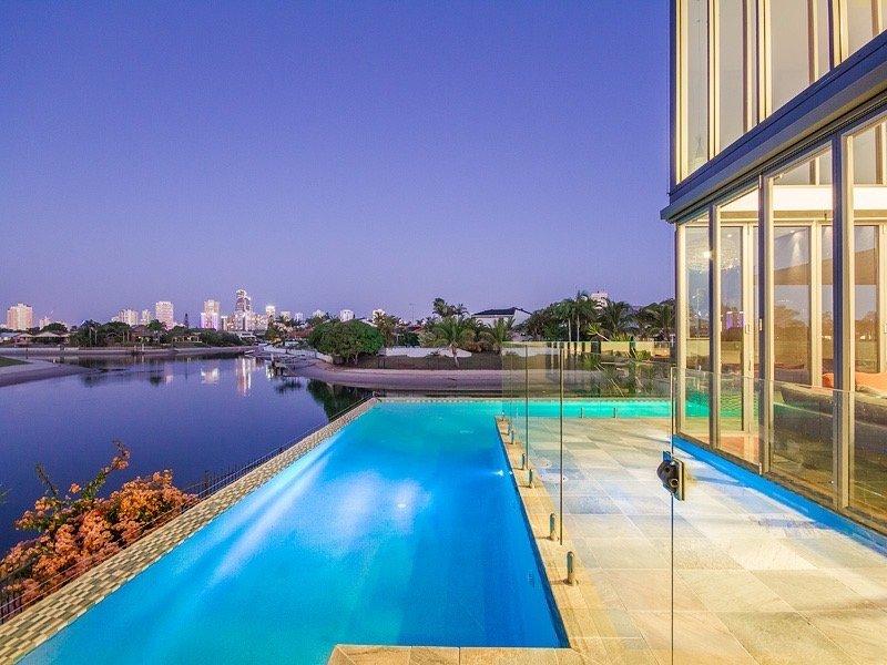 infinity edge pool Gold Coast